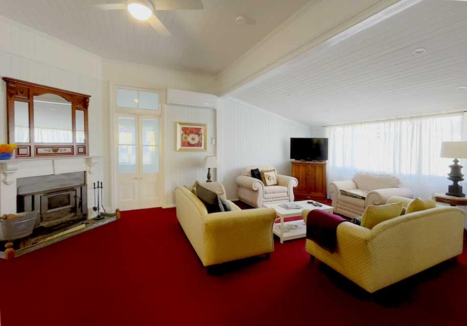 Canningvale_Lounge_accommodation_warwick_qld